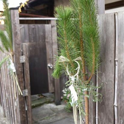 飾り 方 門松 門松の飾り方|左右(雌雄)の見分け方と設置・処分方法